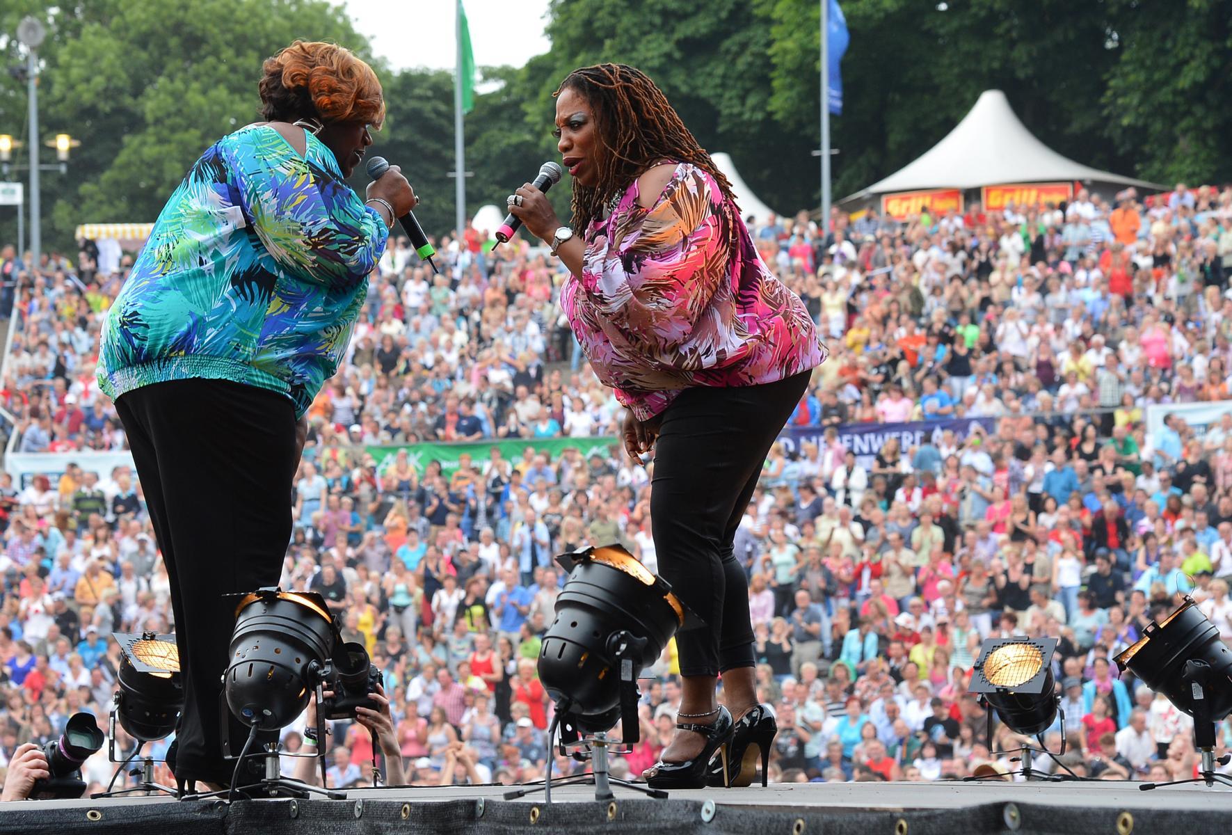 Eventfotografie: Bei Konzert auf der Bühne